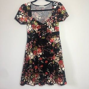 Urban Outfitters Floral Velvet Dress Queen Anne Neckline Small Red Black